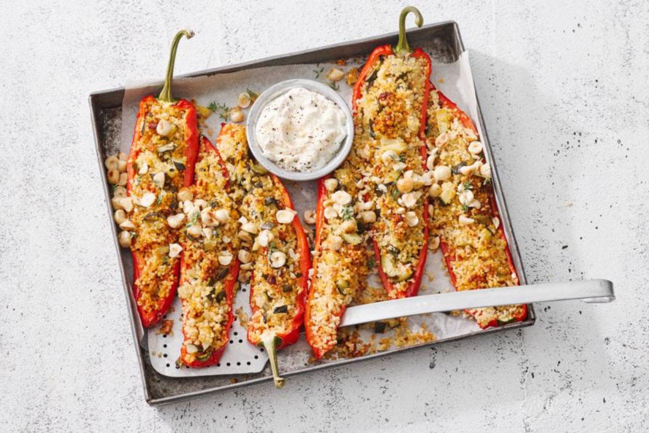 Gevulde paprika's met bulgur en hazelnoten